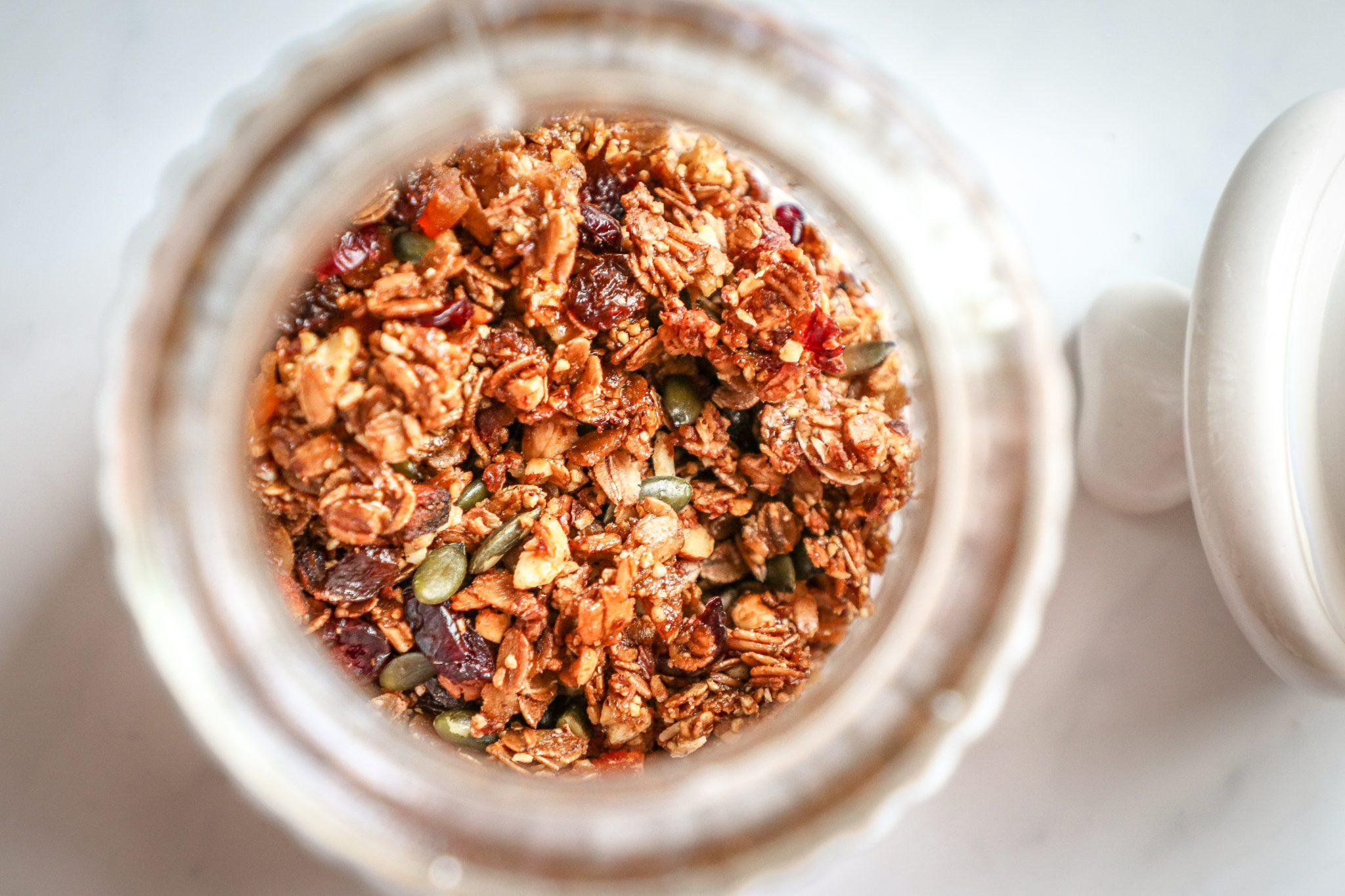 Healthy roasted crunchy spelt and rye flakes, with all the goodness of nuts and dried fruits. Sweetened using maple syrup and molasses.