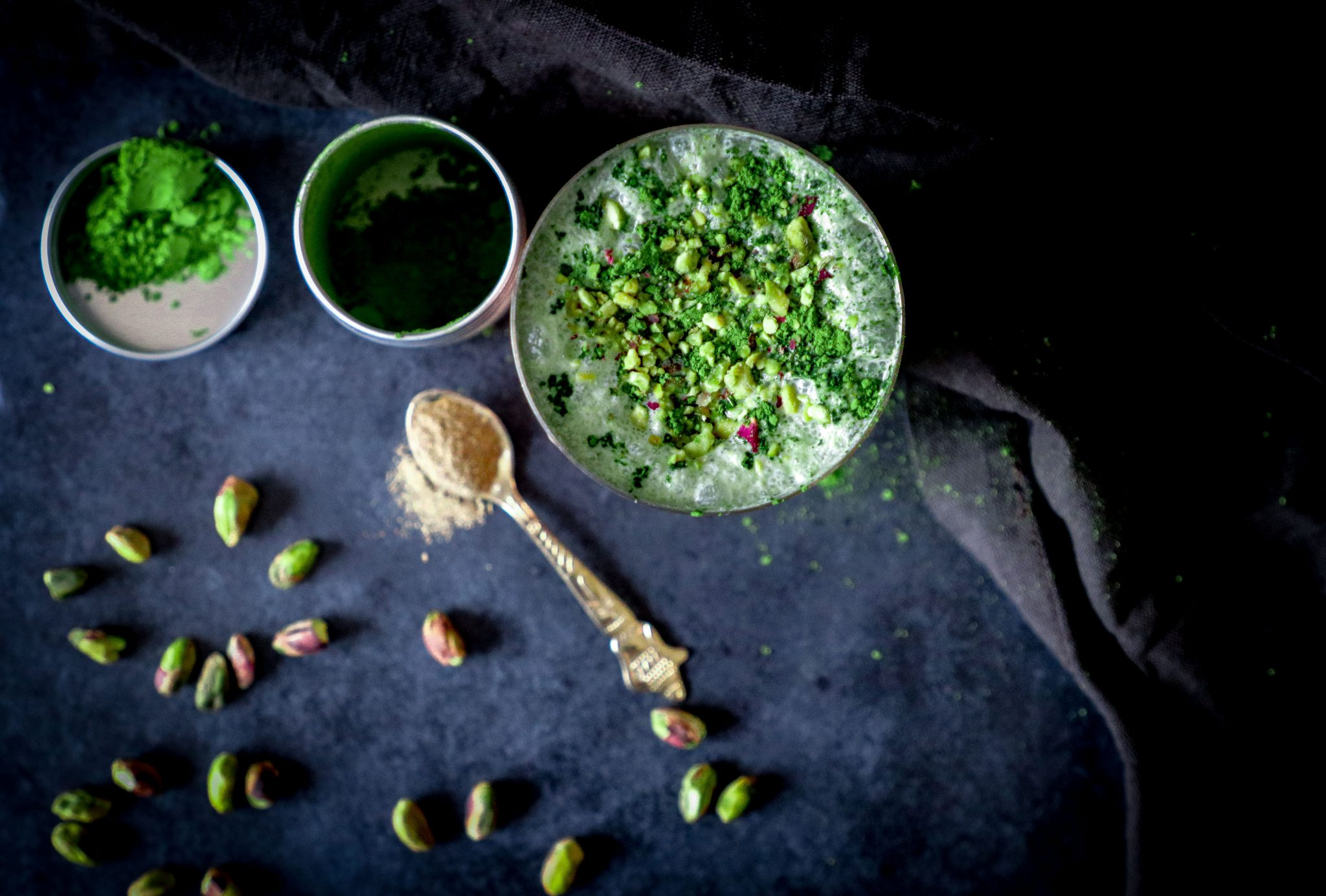 Summers are knocking- try this refreshing and healthy mix of yoghurt, milk, pistachios and matcha.