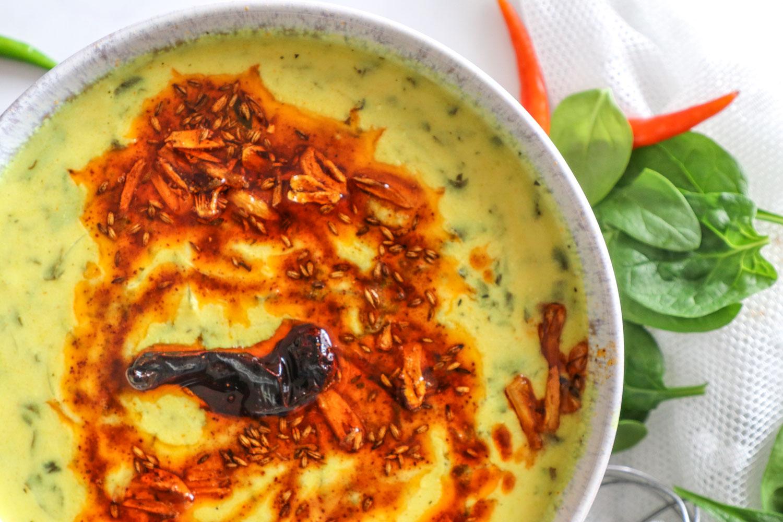 Lehsuni palak kadhi/ Garlic spinach Kadhi